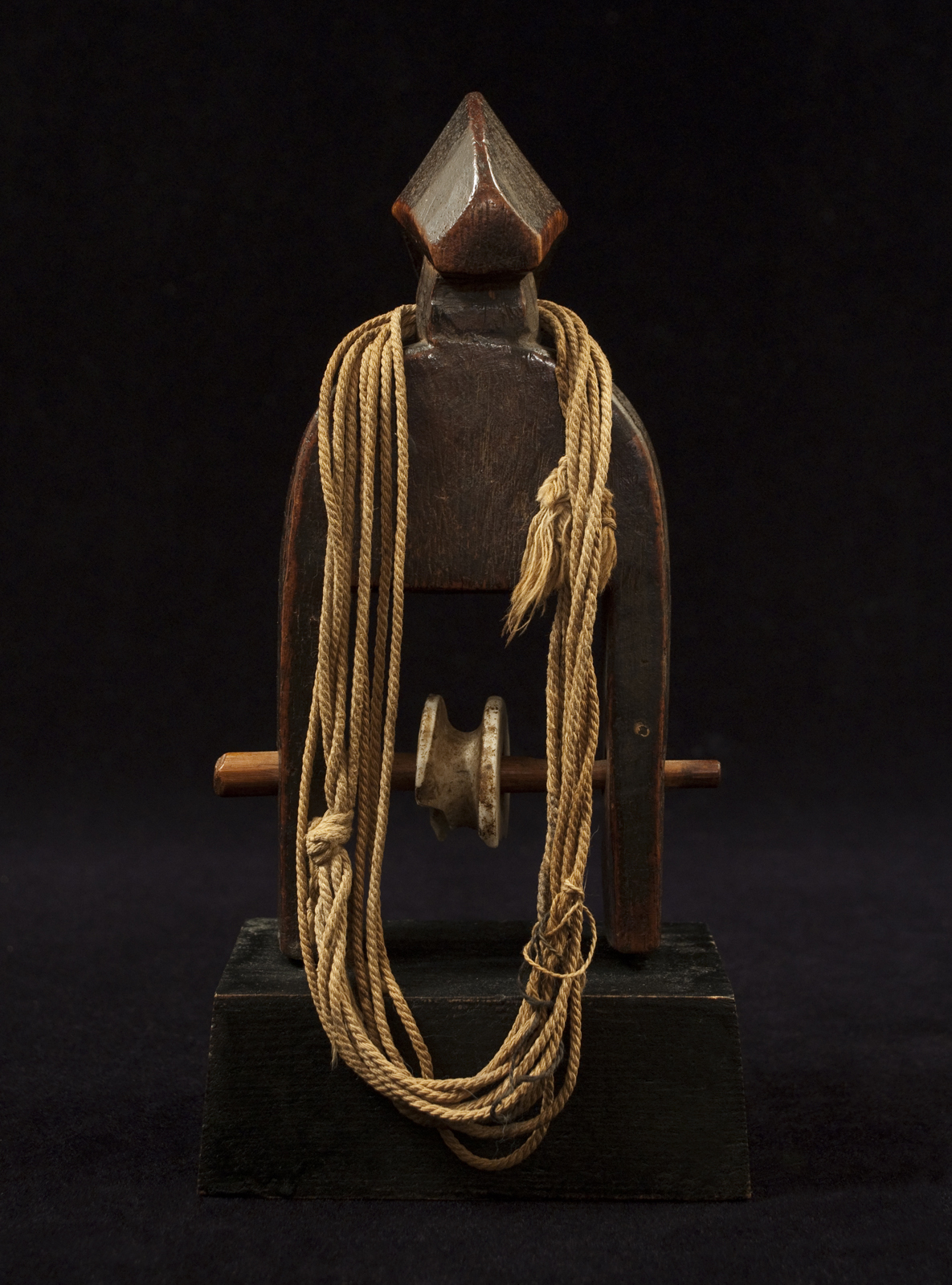 African Tribal Art - Heddle pulley, Senufo