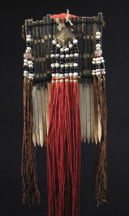Asian Tribal Art - Bone hair comb, Vietnam, back