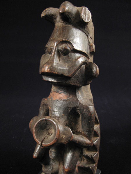 Indonesian Tribal Art - Wood figure, Nias Island, Indonesia, detail
