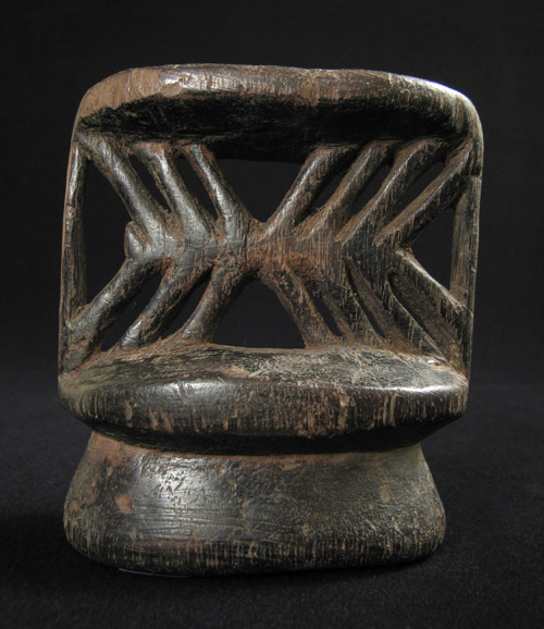 Oceanic Art - Neckrest, Collingwood Bay, Papua New Guinea, back