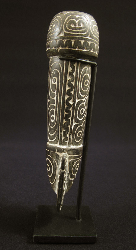 Oceanic Art - Betelnut mortar, Massim, Papua New Guinea, side